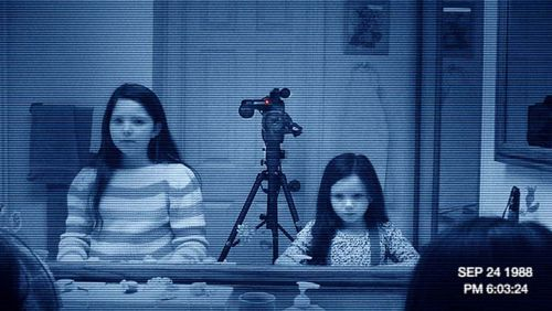 Paranormal_activity_3_film_still_-_h_2011